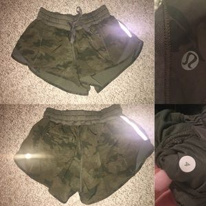 Savasana Camo Hotty Hot Shorts size 4